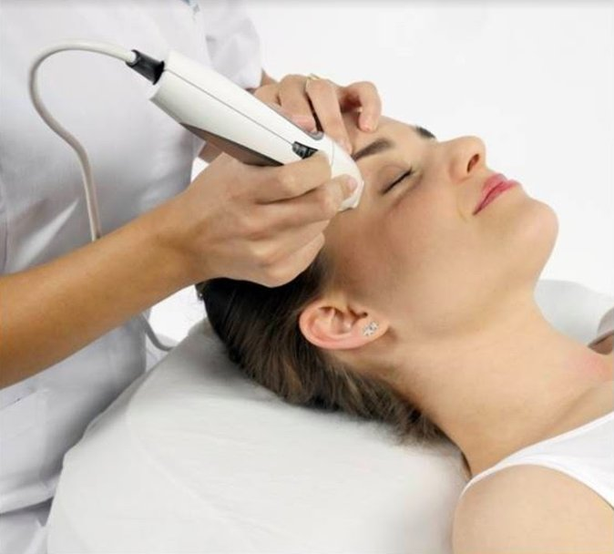 Pyramid Facelift, Best Anti-Ageing Facials Camberley